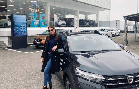 Giorgia Crivello presenta Nuova Dacia Sandero | Messa T